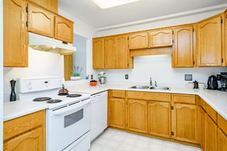 "Photo 9: 312 5710 201 Street in Langley: Langley City Condo for sale in ""WHITE OAKS"" : MLS®# R2387162"