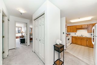 "Photo 2: 312 5710 201 Street in Langley: Langley City Condo for sale in ""WHITE OAKS"" : MLS®# R2387162"