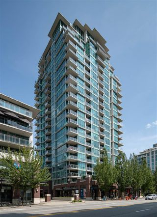 "Main Photo: 1707 138 E ESPLANADE Avenue in North Vancouver: Lower Lonsdale Condo for sale in ""Premiere at the Pier"" : MLS®# R2399277"