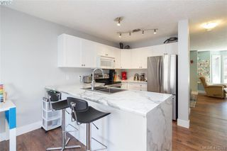 Photo 15: 3 2921 Cook St in VICTORIA: Vi Mayfair Row/Townhouse for sale (Victoria)  : MLS®# 823838