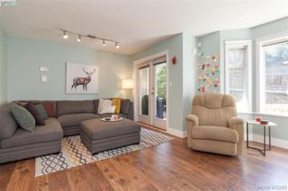Photo 7: 3 2921 Cook St in VICTORIA: Vi Mayfair Row/Townhouse for sale (Victoria)  : MLS®# 823838
