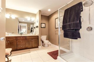 Photo 7: 7065 180 STREET in Surrey: Cloverdale BC House for sale (Cloverdale)  : MLS®# R2381267