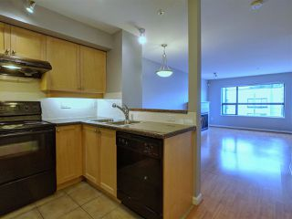 Photo 3: 410 997 W 22 AVENUE in Vancouver: Cambie Condo for sale (Vancouver West)  : MLS®# R2336421