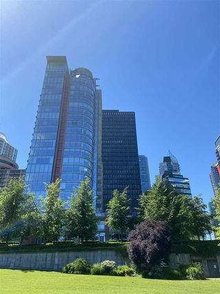 "Photo 22: 1002 1169 W CORDOVA Street in Vancouver: Coal Harbour Condo for sale in ""HARBOUR GREEN 1"" (Vancouver West)  : MLS®# R2459614"