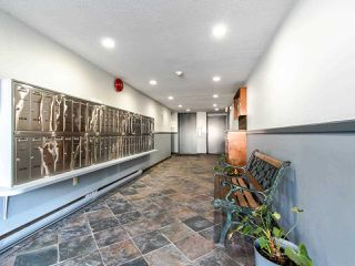 """Photo 2: 119 550 ROYAL Avenue in New Westminster: Downtown NW Condo for sale in """"HARBOURVIEW"""" : MLS®# R2464059"""