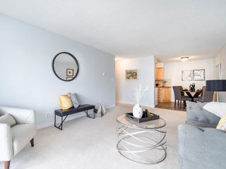 """Photo 5: 119 550 ROYAL Avenue in New Westminster: Downtown NW Condo for sale in """"HARBOURVIEW"""" : MLS®# R2464059"""