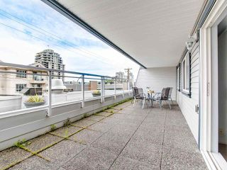 """Photo 17: 119 550 ROYAL Avenue in New Westminster: Downtown NW Condo for sale in """"HARBOURVIEW"""" : MLS®# R2464059"""