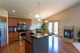 Photo 4: 140 Bridgetown Drive in Winnipeg: Royalwood Residential for sale (2J)  : MLS®# 202016170