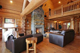 "Photo 5: 8400 GRAND VIEW Drive in Chilliwack: Chilliwack Mountain House for sale in ""Chilliwack Mountain"" : MLS®# R2483464"