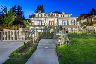 Main Photo: 1731 Ottawa Ave in West Vancouver: Ambleside House for rent