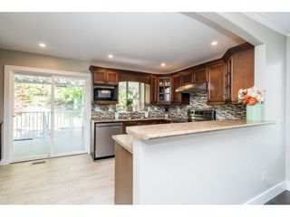 """Photo 10: 33537 BLUEBERRY Drive in Mission: Mission BC House for sale in """"Hillside"""" : MLS®# R2505733"""