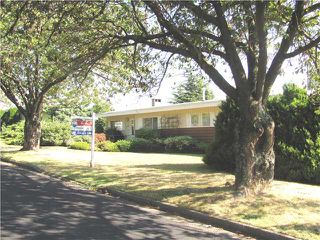 "Photo 3: 2302 HARRISON Drive in Vancouver: Fraserview VE House for sale in ""FRASERVIEW"" (Vancouver East)  : MLS®# V910182"