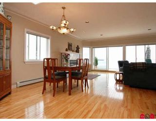 Photo 6: 15287 VICTORIA AV in White Rock: House for sale : MLS®# F2818793