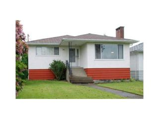 Photo 1: 2449 E 53RD Avenue in Vancouver: Killarney VE House for sale (Vancouver East)  : MLS®# V1047067