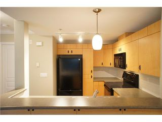 """Photo 9: 63 7488 SOUTHWYNDE Avenue in Burnaby: South Slope Townhouse for sale in """"LEDGESTONE1"""" (Burnaby South)  : MLS®# V1068686"""