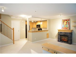 """Photo 5: 63 7488 SOUTHWYNDE Avenue in Burnaby: South Slope Townhouse for sale in """"LEDGESTONE1"""" (Burnaby South)  : MLS®# V1068686"""