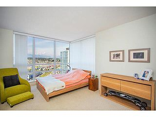 Photo 6: 1501 3333 CORVETTE Street in Richmond: West Cambie Condo for sale : MLS®# V1126012