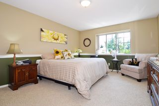 "Photo 12: 6139 W BOUNDARY Drive in Surrey: Panorama Ridge Townhouse for sale in ""LAKEWOOD GARDENS"" : MLS®# F1448168"