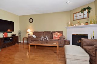 "Photo 9: 6139 W BOUNDARY Drive in Surrey: Panorama Ridge Townhouse for sale in ""LAKEWOOD GARDENS"" : MLS®# F1448168"