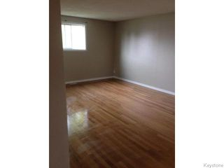 Photo 4: 938 Greencrest Avenue in Winnipeg: Fort Garry / Whyte Ridge / St Norbert Residential for sale (South Winnipeg)  : MLS®# 1530498