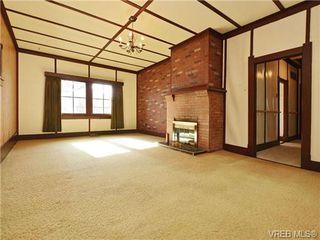Photo 2: 412 Lampson St in VICTORIA: Es Saxe Point House for sale (Esquimalt)  : MLS®# 723215