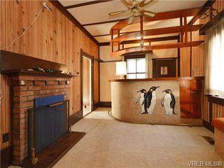 Photo 3: 412 Lampson St in VICTORIA: Es Saxe Point House for sale (Esquimalt)  : MLS®# 723215