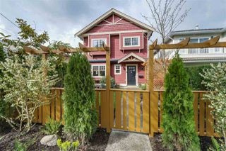 Photo 1: 2951 VICTORIA Drive in Vancouver: Grandview VE House 1/2 Duplex for sale (Vancouver East)  : MLS®# R2050820