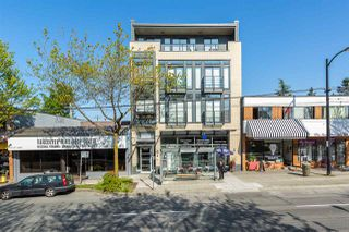 "Photo 2: PH1 4372 FRASER Street in Vancouver: Fraser VE Condo for sale in ""THE SHERIDAN"" (Vancouver East)  : MLS®# R2082192"