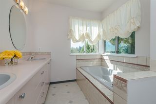 Photo 10: 968 CHARLAND Avenue in Coquitlam: Central Coquitlam 1/2 Duplex for sale : MLS®# R2114374