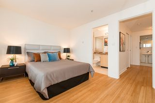 """Photo 9: PH1 1688 ROBSON Street in Vancouver: West End VW Condo for sale in """"Pacific Robson Palais"""" (Vancouver West)  : MLS®# R2123676"""