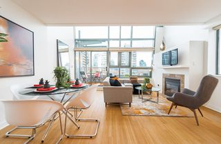"""Photo 2: PH1 1688 ROBSON Street in Vancouver: West End VW Condo for sale in """"Pacific Robson Palais"""" (Vancouver West)  : MLS®# R2123676"""