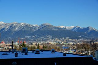 "Photo 3: 305 298 E 11TH Avenue in Vancouver: Mount Pleasant VE Condo for sale in ""THE SOPHIA"" (Vancouver East)  : MLS®# R2138336"