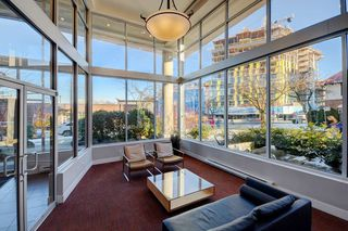 "Photo 2: 305 298 E 11TH Avenue in Vancouver: Mount Pleasant VE Condo for sale in ""THE SOPHIA"" (Vancouver East)  : MLS®# R2138336"