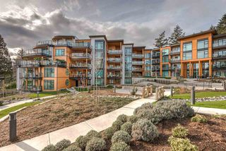 "Photo 2: 501 14855 THRIFT Avenue: White Rock Condo for sale in ""Royce"" (South Surrey White Rock)  : MLS®# R2149849"