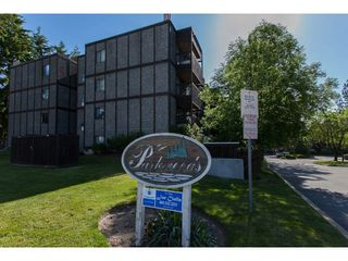 """Photo 2: 118 9682 134 Street in Surrey: Whalley Condo for sale in """"Parkwoods"""" (North Surrey)  : MLS®# R2175006"""