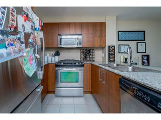 "Photo 10: 118 5775 IRMIN Street in Burnaby: Metrotown Condo for sale in ""MacPherson Walk"" (Burnaby South)  : MLS®# R2190035"