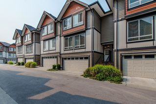 "Photo 3: 8 6378 142 Street in Surrey: Sullivan Station Townhouse for sale in ""Kendra"" : MLS®# R2193744"