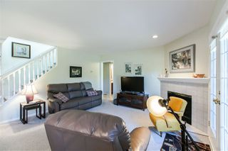 "Photo 9: 108 6109 W BOUNDARY Drive in Surrey: Panorama Ridge Townhouse for sale in ""Lakewood Gardens"" : MLS®# R2197585"