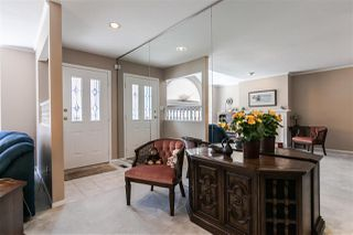"Photo 2: 108 6109 W BOUNDARY Drive in Surrey: Panorama Ridge Townhouse for sale in ""Lakewood Gardens"" : MLS®# R2197585"