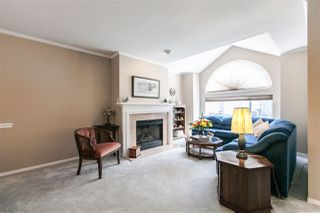 "Photo 3: 108 6109 W BOUNDARY Drive in Surrey: Panorama Ridge Townhouse for sale in ""Lakewood Gardens"" : MLS®# R2197585"