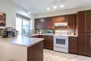 "Photo 6: 108 6109 W BOUNDARY Drive in Surrey: Panorama Ridge Townhouse for sale in ""Lakewood Gardens"" : MLS®# R2197585"