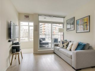 Photo 8: 205 88 W 1ST AVENUE in Vancouver: False Creek Condo for sale (Vancouver West)  : MLS®# R2149977