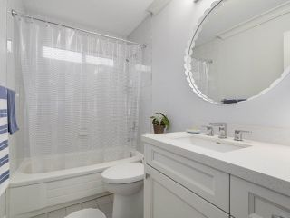 "Photo 16: 38 889 TOBRUCK Avenue in North Vancouver: Hamilton Townhouse for sale in ""TOBRUCK GARDENS"" : MLS®# R2209623"