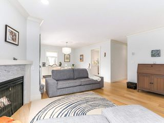 """Photo 4: 38 889 TOBRUCK Avenue in North Vancouver: Hamilton Townhouse for sale in """"TOBRUCK GARDENS"""" : MLS®# R2209623"""