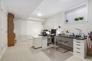 Photo 17: 16457 24A Avenue in Surrey: Grandview Surrey Condo for sale (South Surrey White Rock)  : MLS®# R2210767