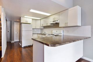 """Photo 2: 9 20229 FRASER Highway in Langley: Langley City Condo for sale in """"Langley Place"""" : MLS®# R2225434"""