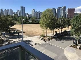 "Photo 3: 309 181 W 1ST Avenue in Vancouver: False Creek Condo for sale in ""THE BROOK"" (Vancouver West)  : MLS®# R2230546"