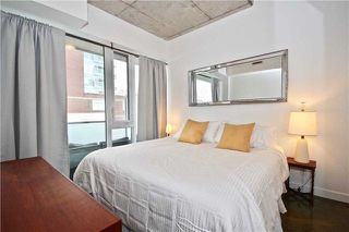 Photo 10: 201 Carlaw Ave Unit #403 in Toronto: South Riverdale Condo for sale (Toronto E01)  : MLS®# E4048607