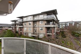 "Photo 6: 304 15338 18 Avenue in White Rock: King George Corridor Condo for sale in ""Parkview Gardens"" (South Surrey White Rock)  : MLS®# R2243887"