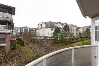 "Photo 7: 304 15338 18 Avenue in White Rock: King George Corridor Condo for sale in ""Parkview Gardens"" (South Surrey White Rock)  : MLS®# R2243887"
